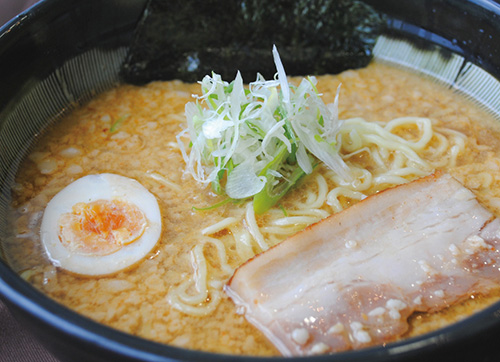 味噌豚骨らー麺