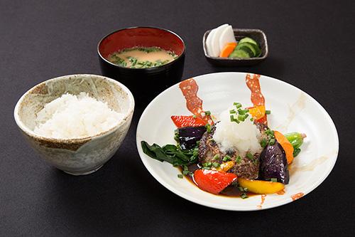 手ごねハンバーグ定食(おろしポン酢)