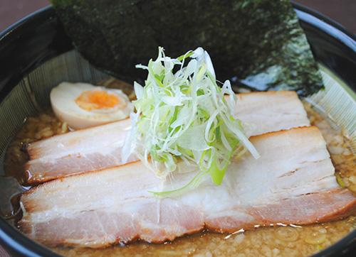 絶品チャーシュー醤油らー麺