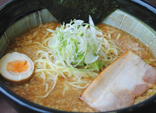 魚介豚骨 Wスープ醤油らー麺